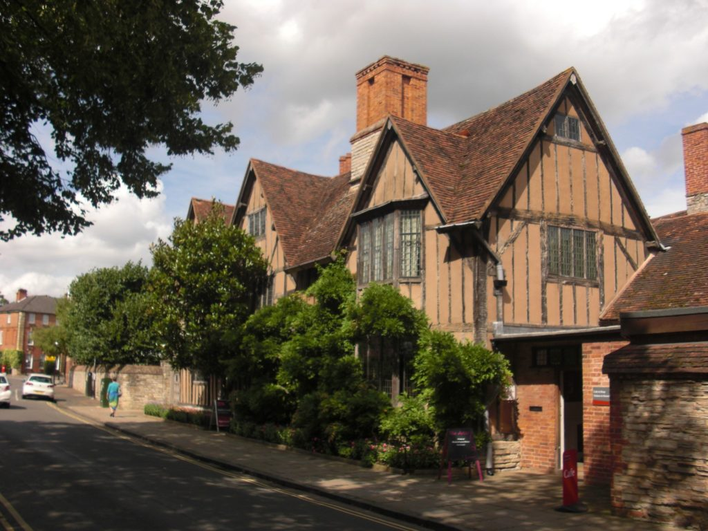 halls-croft-stratford-upon-avon