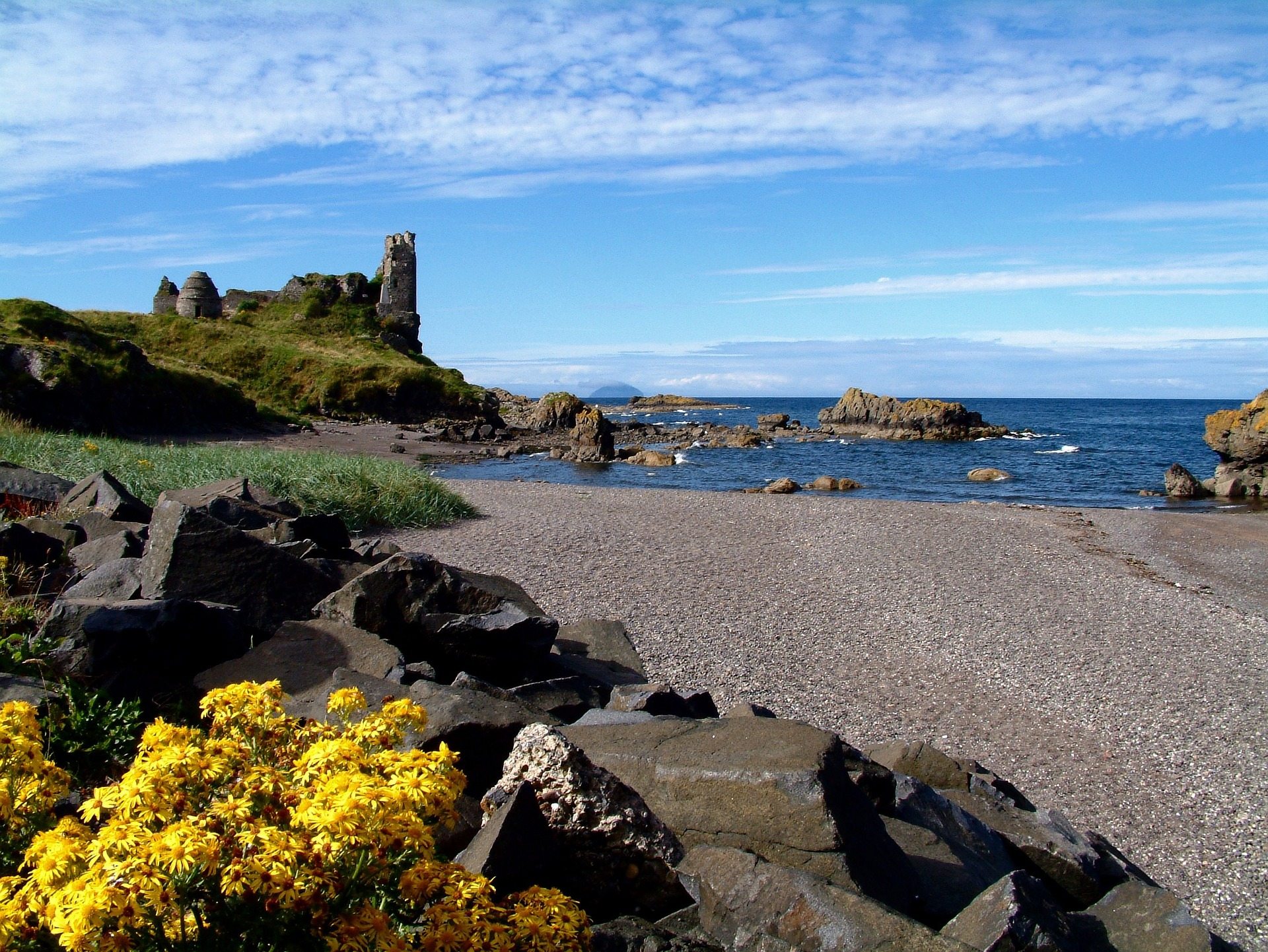 scotland, castle ruins, beach